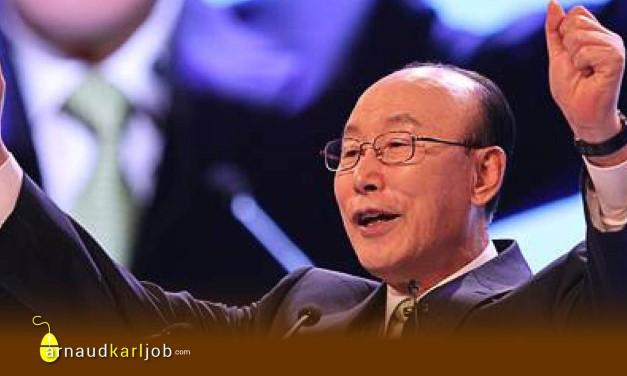 Yonggi Cho, un des prêcheurs de la prospérité dans le baba !